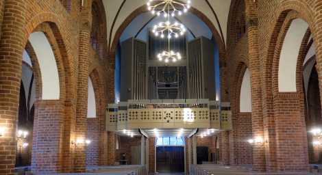 Vor Frelser Kirke – nyt pulpitur og alter